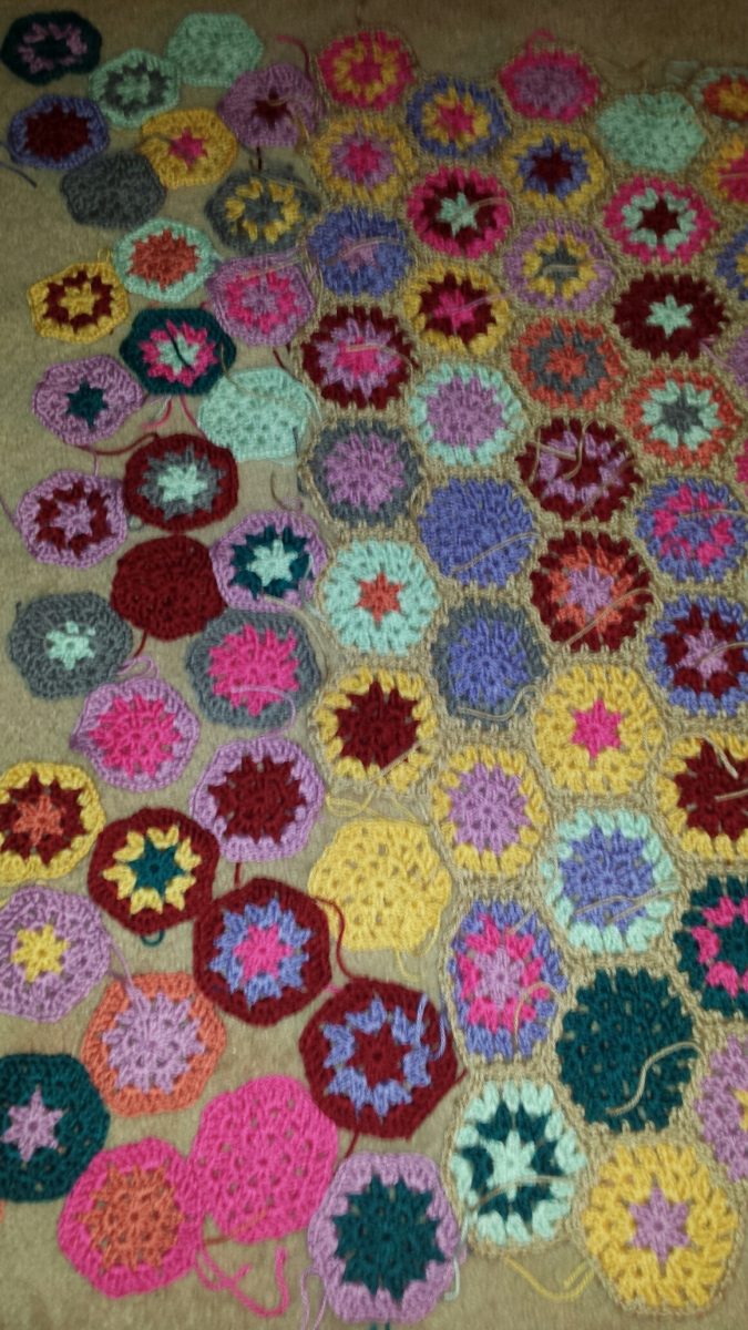 Last Row of Granny Hexagon Blanket
